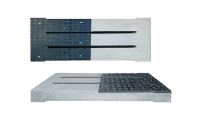 Oostbeton-varkensrooster-geintregreerde-PHDE-kunstofplaat